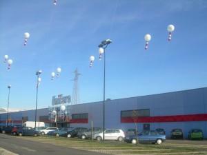 Palloni giganti inaugurazione Unieuro