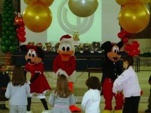 animazione con Topolino, Minnie e Paperino durante una Festa aziendale natalizia