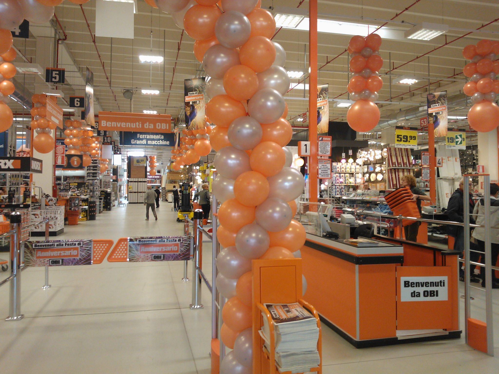 Allestito con i palloncini personalizzati, l'inaugurazione aziendale Centro OBI Udine (friuli)