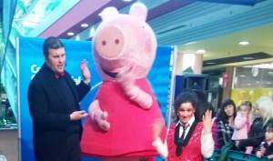 grande animazione con la mascotte di Peppa Pig e un nostro animatore