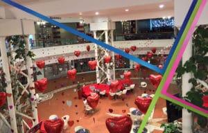 allestimento palloncini centro commerciale san valentino