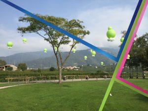 palloni giganti gonfiati ad elio