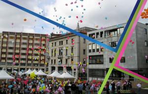 rilascio di palloncini piazza