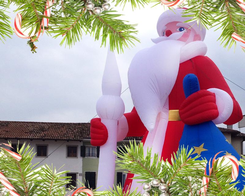 Gonfiabili di Natale Giganti di 6 metri