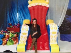 trono gigante donfiabile di natale