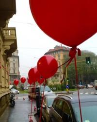 palloni giganti rossi inaugurazione