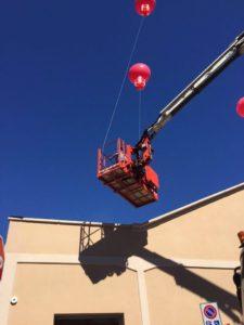 installazione palloni giganti ad elio
