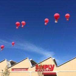 palloni giganti ad elio sul tetto