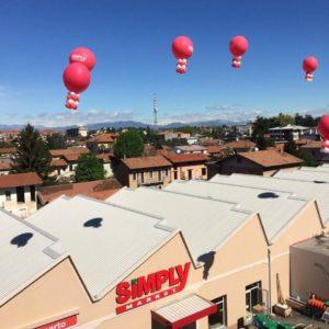 palloni giganti ad elio rossi e bianchi