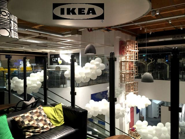 Nuvole di palloncini: strutture leggere e funzionali. Parola di IKEA