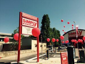 inaugurazione con palloncini personalizzati