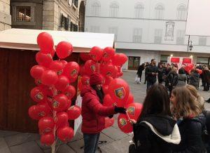 palloncini personalizzati distribuiti