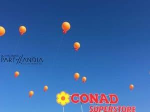 palloni giganti ad elio inaugurazione negozio