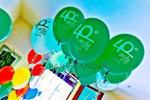 palloncini colorati con logo