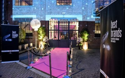 Palloni giganti con la luce: Partylandia illumina i Best Brands