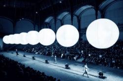 palloni bianchi luminosi grandi