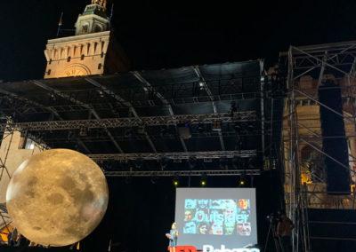 Pianeta luna gonfiabile