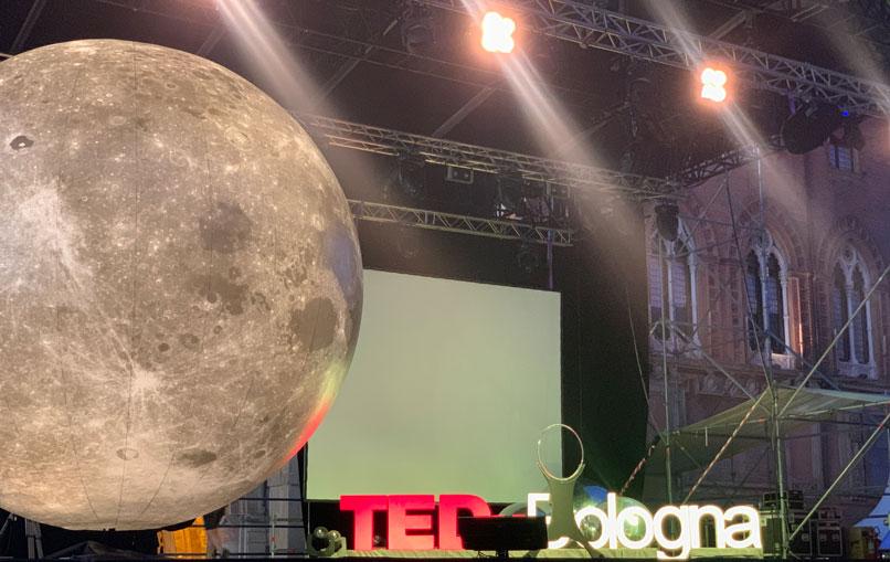 luna gigante luminosa