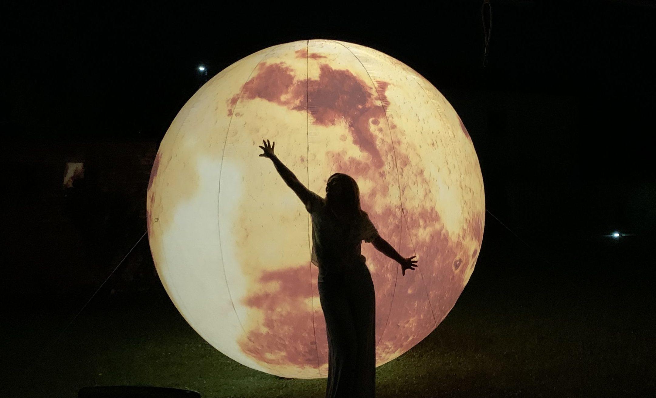 luna gonfiabile illuminata